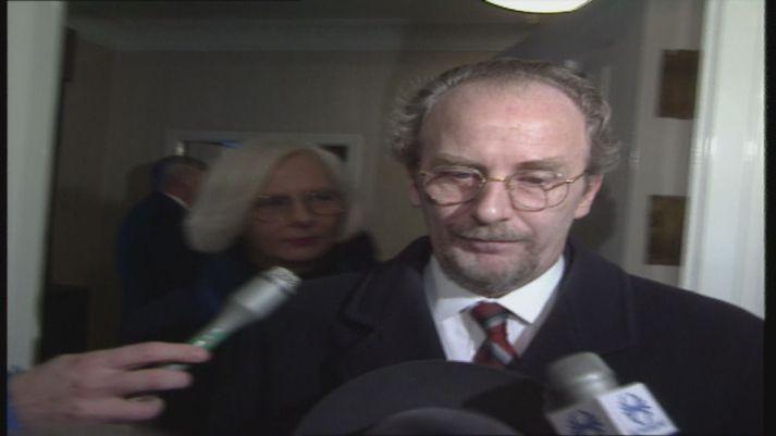 Jón Baldvin Hannibalsson var utanríkisráðherra þegar EES-samningurinn var undirritaður árið 1992. Hann var staðfestur af þingi og forseta ári síðar og tók gildi 1. janúar 1994.