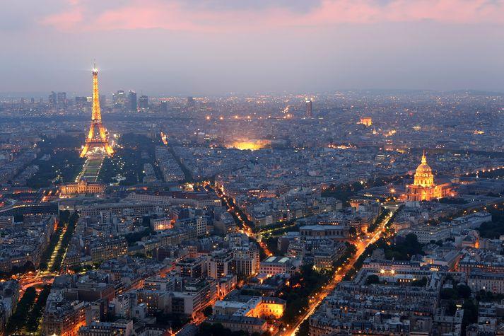 París er höfuðborg Frakklands, árásin varð í úthverfi borgarinnar.