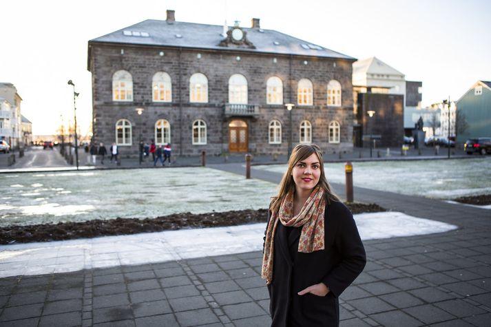 Dóra Björt bendir á að það sé stjórnarskrárvarinn réttur hennar að mótmæla.