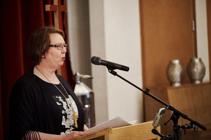 Agnes M. Sigurðardóttir biskup í ræðustóli á kirkjuþingi í desember.