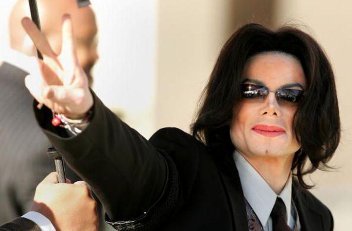 Söngvarinn Michael Jackson hélt meðal annars apa og fíl á búgarðinum.