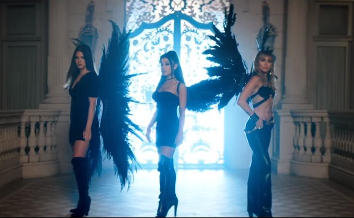 Ariana Grande, Lana Del Rey og Miley Cyrus skarta vængjum í tónlistarmyndbandinu fyrir Don't Call Me Angel.