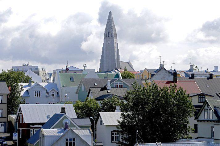 Að frátöldum smá rigningu síðdegis ætti að haldast nokkuð þurrt í Reykjavík um helgina.