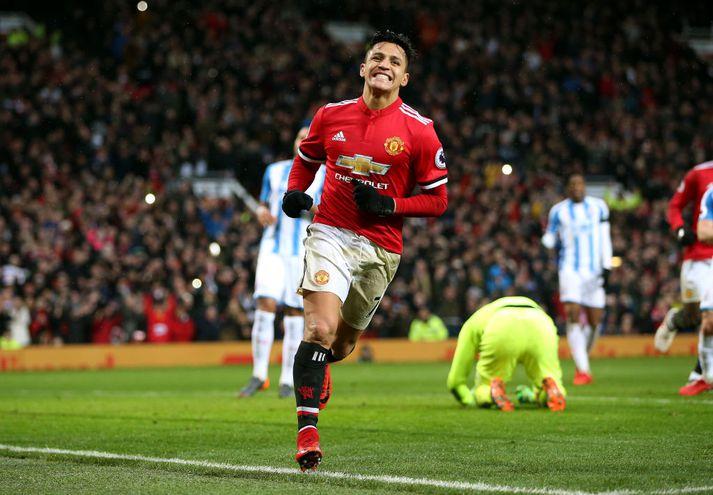 Alexis Sanchez fagnar fyrsta marki sínu fyrir Man Utd.