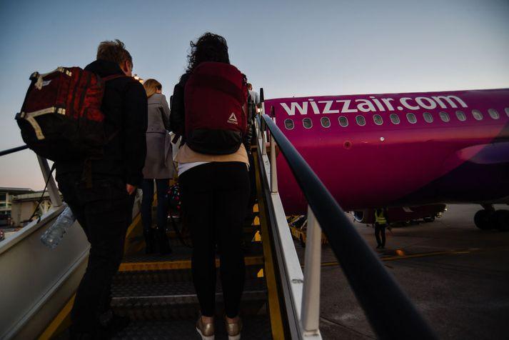 Vél Wizz Air var á leið frá Ungverjalandi til Íslands þegar maðurinn reyndi að brjótast inn í flugstjórnarklefann.