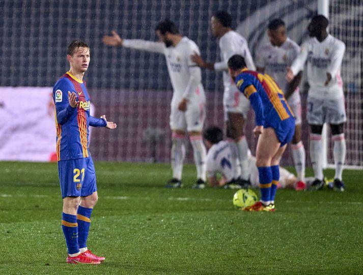 Launakostnaður Barcelona og Real Madrid þarf að lækka til muna fyrir komandi tímabil.