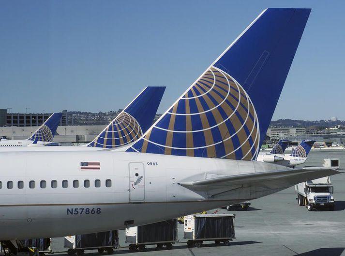 United Airlines ætlar að ráðast í breytingar án þess að það bitni á þjónustu við viðskiptavini.