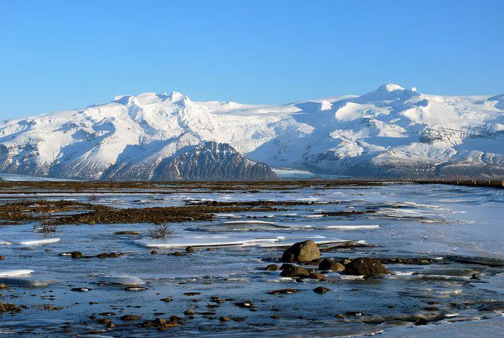 Í skýrslunni er meðal annars fjallað um hop jökla á Íslandi sem hafa bráðnað mikið síðustu áratugina.