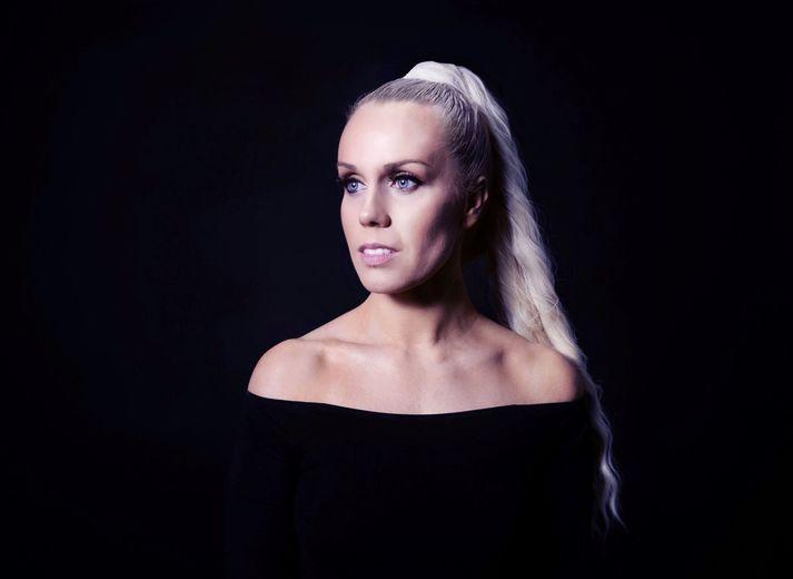 Söngkonan Greta Salóme er á fullu að vinna í nýrri tónlist.