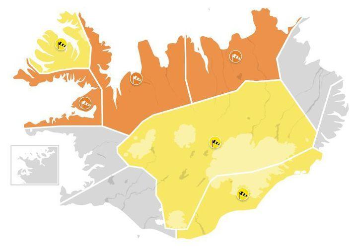 Gular og appelsínugular viðvaranir eru í gildi á stærstum hluta landsins í dag.