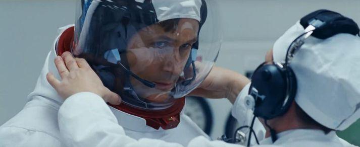 Ryan Gosling sem Neil Armstrong.