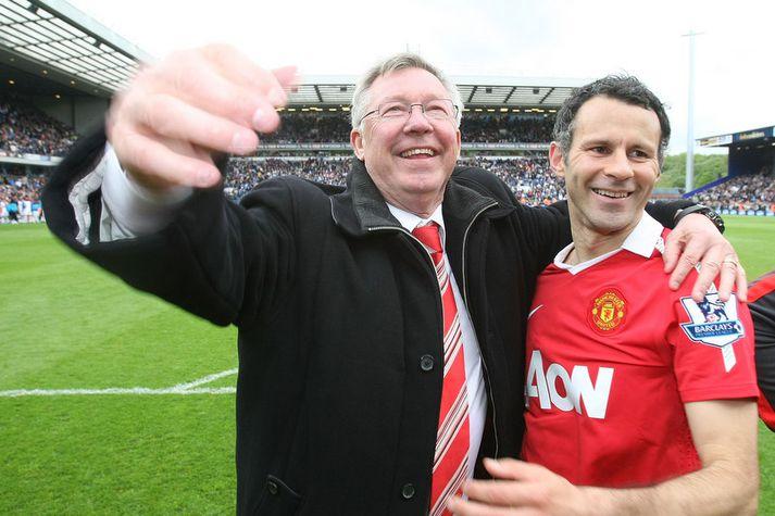 Sir Alex Ferguson og Ryan Giggs fagna saman einum af titlunum 34 sem þeir unnu saman.