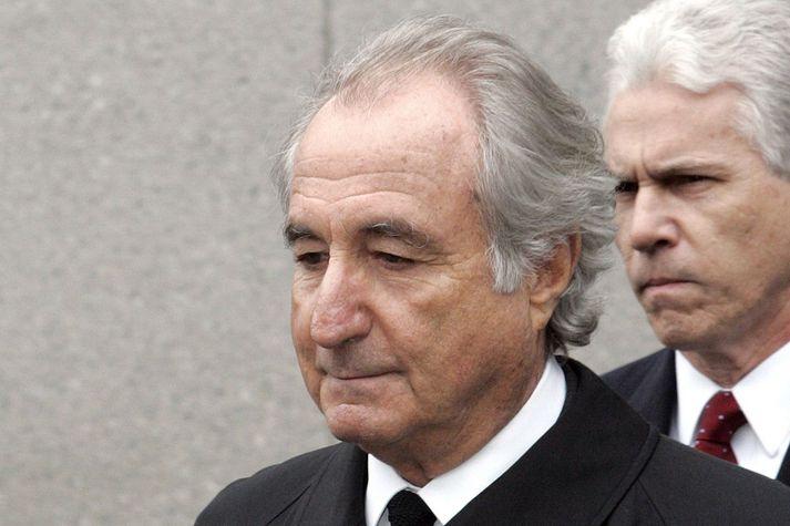 Bernie Madoff eftir að hann viðurkenndi brot sín árið 2009.