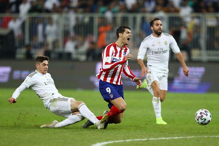 Valverde straujar Alvaro Morata.