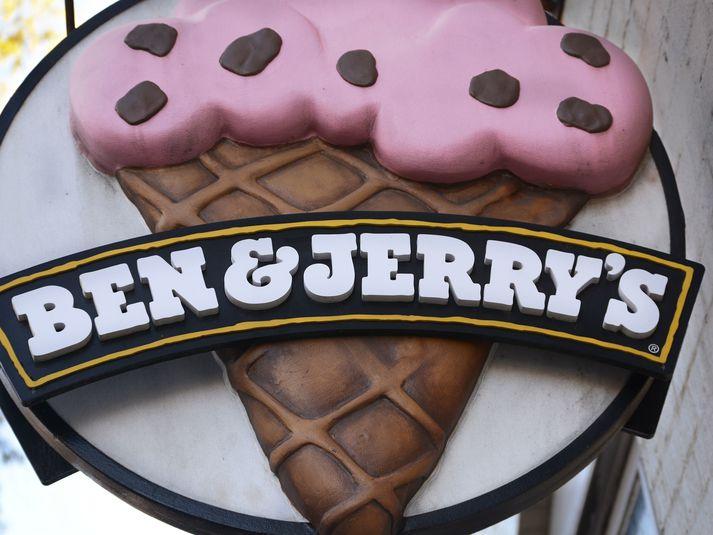 Ísframleiðandinn Ben & Jerry's hefur tilkynnt að hann ætli að hætta allri sölu á ís á landtökusvæðum Ísraela.