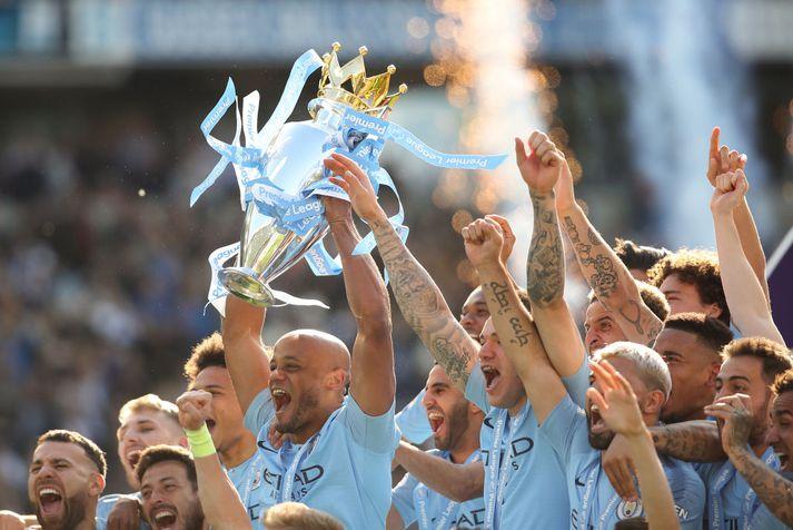Manchester City fagnaði Englandsmeistaratitlinum annað árið í röð á sunnudaginn