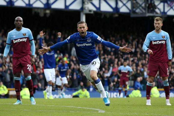 Gylfi Þór Sigurðsson fagnar marki með Everton liðinu. Þetta mark á móti West Ham var hann sextugasta í ensku úrvalsdeildinni.