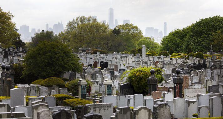 Frá Mt. Judah-kirkjugarðinum í New York.