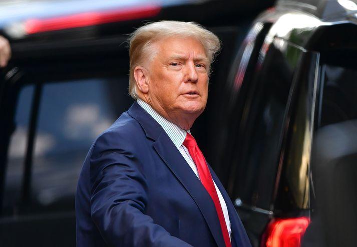 Trump er sagður viss um að hann verði aftur orðinn forseti áður en langt um líður.