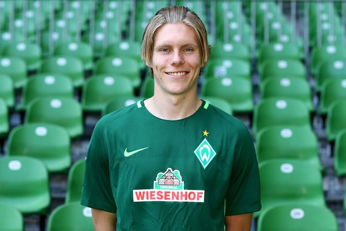 Aron hefur fengið fá tækifæri með Werder Bremen í vetur.