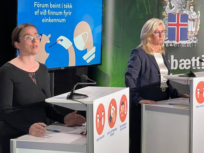 Kamilla S. Jósefsdóttir, sérfræðingur á sóttvarnasviði landlæknisembættisins, og Alma Möller landlæknir.