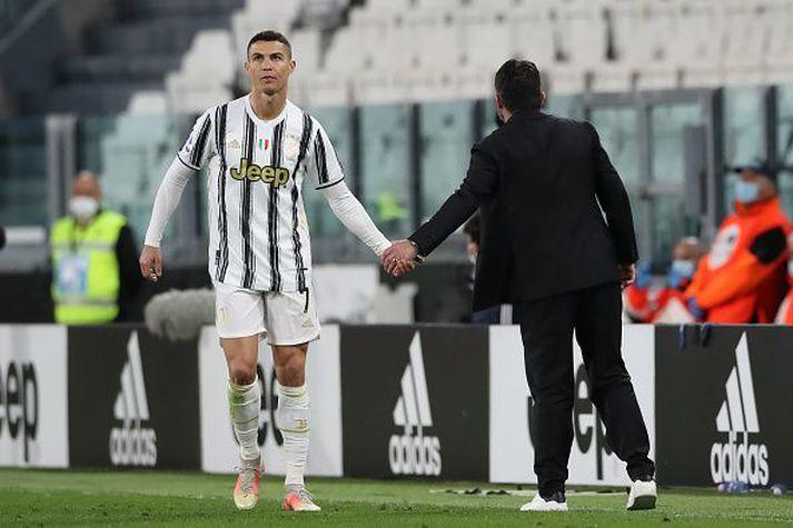 Ronaldo og Gennaro Gattuso, stjóri Napoli, hönd í hönd.