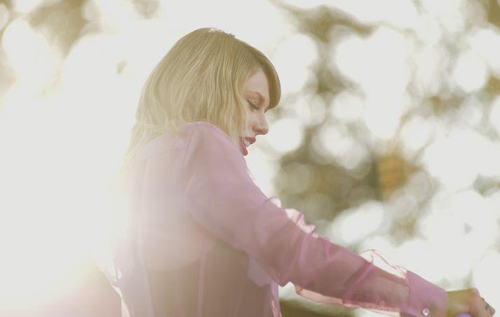 Taylor segir að nýja platan, Lover, sé afar persónuleg.