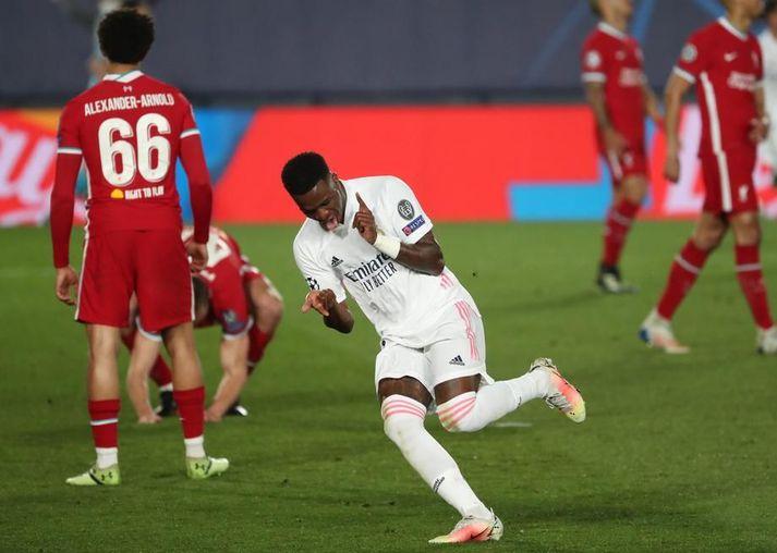 Vinicius Junior fagnar marki gegn Liverpool í 3-1 sigri Real Madrid í fyrri leiknum.