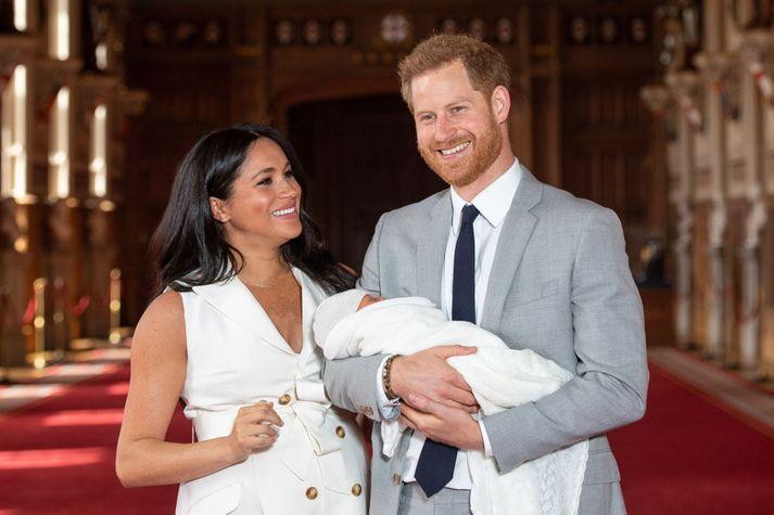 Meghan og Harry með Archie þegar sá stutti var nýfæddur.