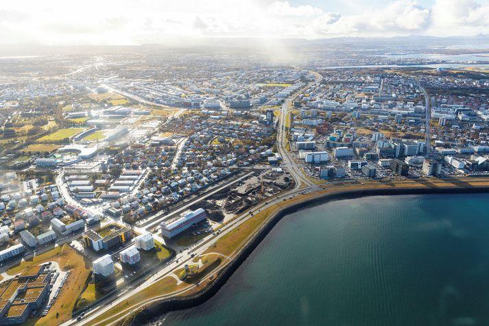 Uppbyggingarsvæðið sést hér fyrir miðri mynd en á þeim er myndin var tekin var vinna á reitnum nýhafin.