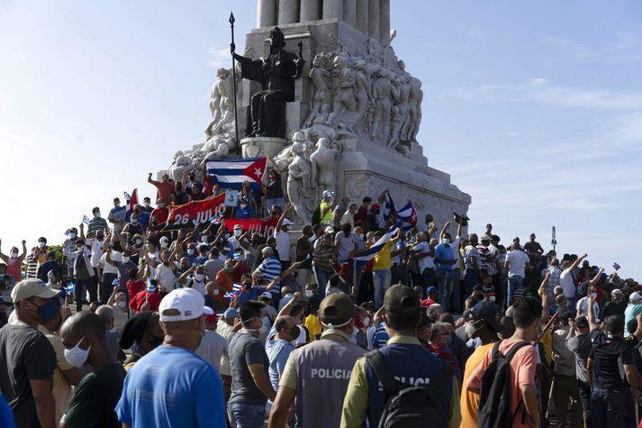 Fjöldi mótmælenda var saman kominn í höfuðborginni Havana.