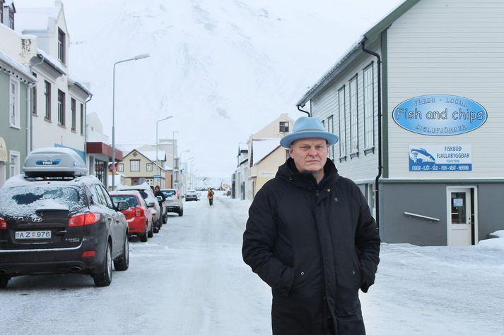 Hallgrímur á Siglufirði, en þar las hann vitanlega upp úr hinni nýju skáldsögu sinni.