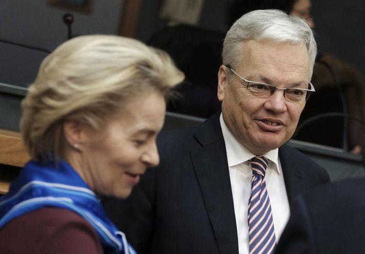 Forseti framkvæmdastjórnar ESB, Ursula Von der Leyen og Didier Reynders sem hefur málefni dómstóla og neytenda á sinni könnu innan framkvæmdastjórnarinnar.