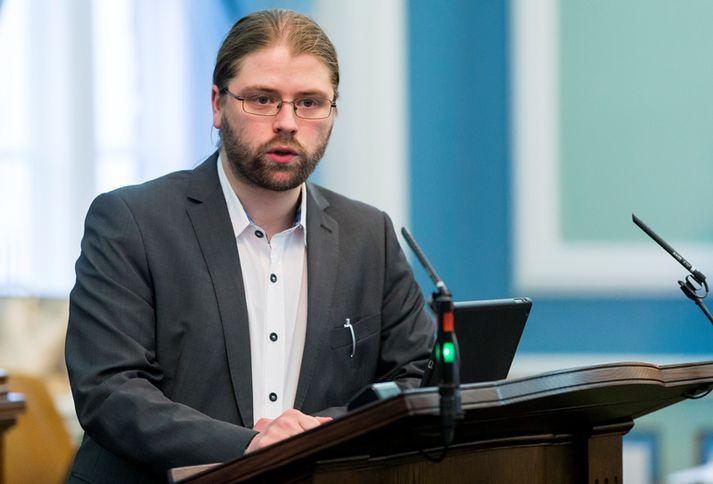 Helgi Hrafn Gunnarsson er þingmaður Pírata.
