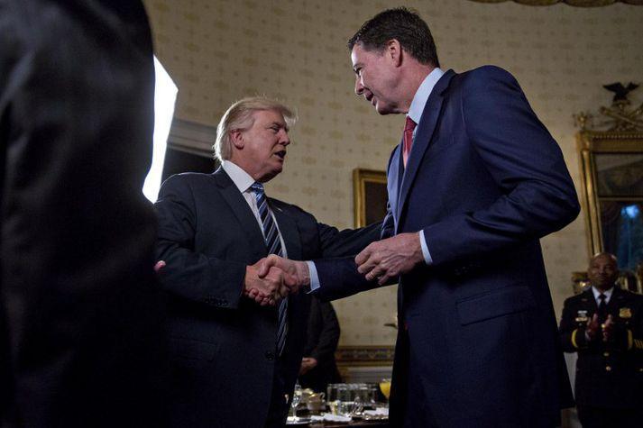 Eftir að Trump rak James Comey (t.h.) í fyrra sagði hann ástæðuna hafa verið Rússarannsókn FBI.