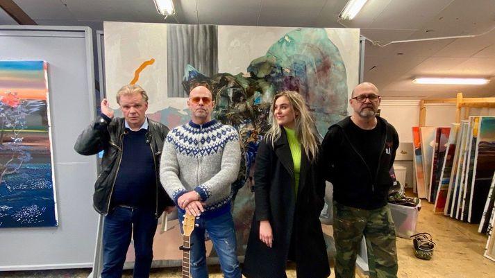 Einar, Bubbi, Kristín og Tolli í vinnustofu Tolla.