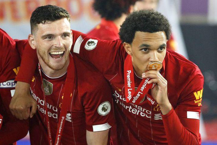 Andy Robertson og Trent Alexander-Arnold fengu báðir stöðuhækkun hjá Liverpool á dögunum.