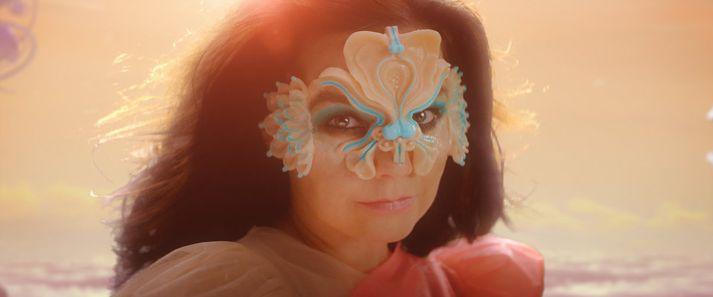 Nýjasta plata Bjarkar, Utopia, kemur út 24. nóvember. Ýmis brýn samfélagsmál veittu Björk innblástur við gerð hennar.