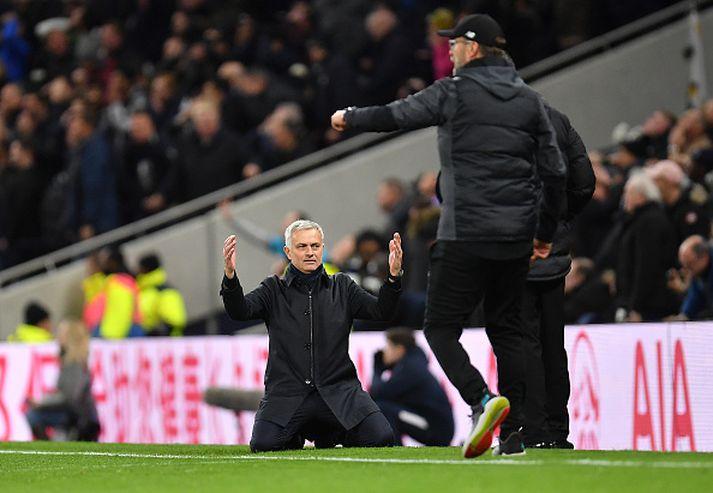 Mourinho var líflegur á hliðarlínunni í gær.