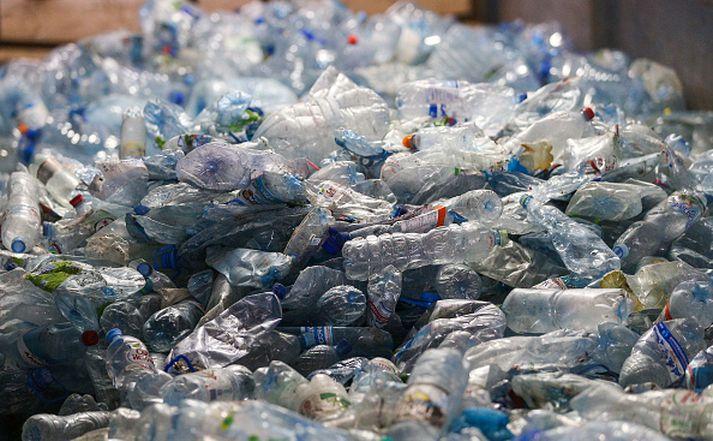 Sameinuðu Þjóðirnar vilja að jarðarbúar minnki plastnotkun sína fyrir árið 2030.