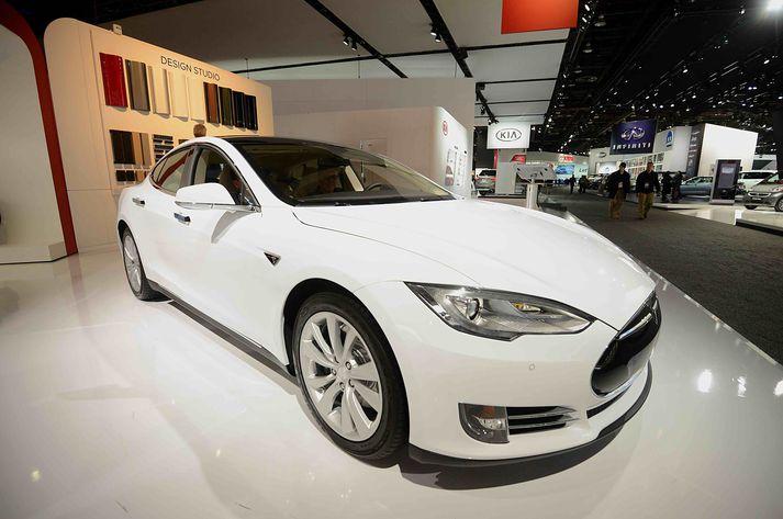 Tesla Model S árgerð 2014 sem Friðrik Árni keypti fyrir Hafþór á 46 þúsund evrur í Litháen.