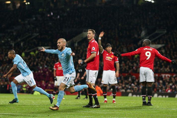 David Silva fagnar marki á móti Manchester United.