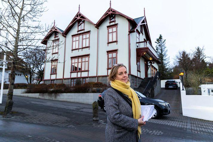 Svandís hefur oftar en einu sinni kynnt aðgerðir innanlands að loknum ríkisstjórnarfundi á föstudegi.