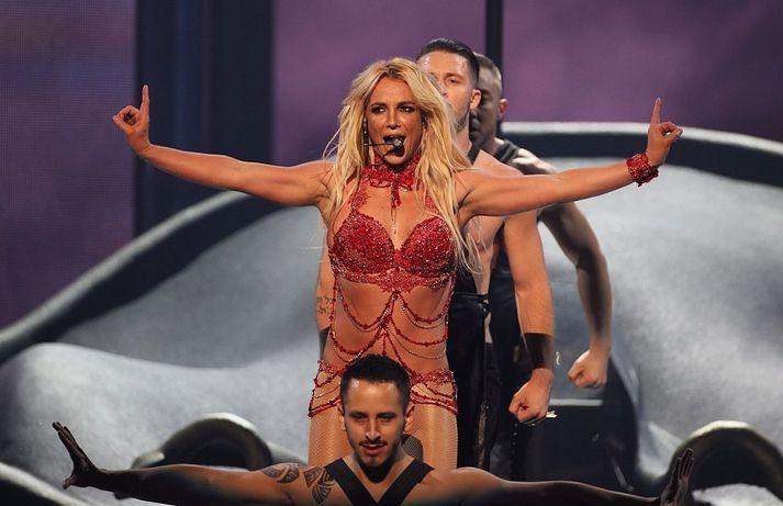 Britney Spears á Billboard-hátíðinni 2016