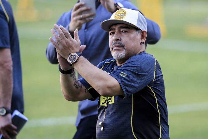 Diego Maradona er án efa einn allra besti knattspyrnumaður allra tíma.
