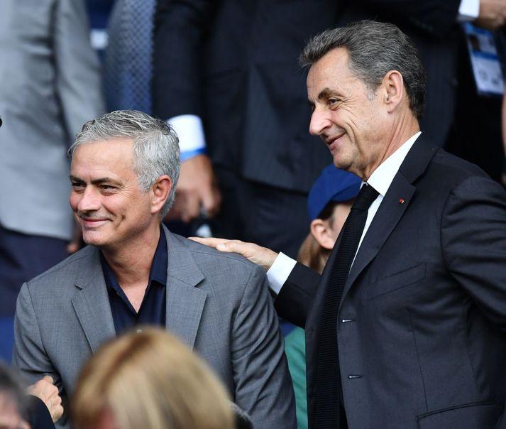 Mourinho ásamt Nicolas Sarkozy, fyrrverandi Frakklandsforseta á leik Englands og Frakklands á HM kvenna á dögunum