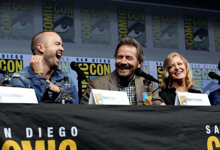 Aðalleikarar Breaking Bad, Aaron Paul, Bryan Cranston og Anna Gunn á góðri stundu.