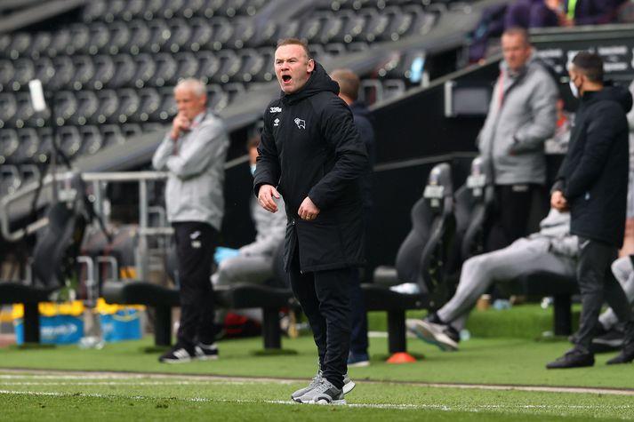 Lærisveinar Waynes Rooney í Derby County eru í bullandi fallbaráttu.