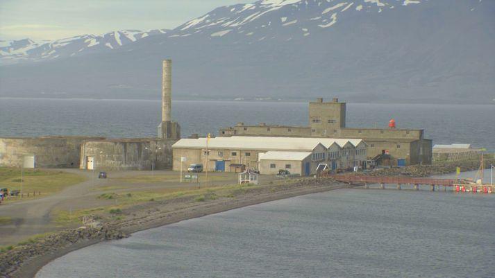 Gamla síldarverksmiðjan á Hjalteyri við Eyjafjörð.