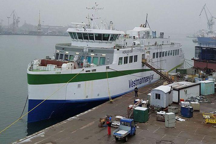 Nýr Herjólfur er smíðaður í Póllandi.